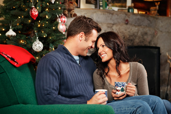 romantic-couple-on-couch-christmas